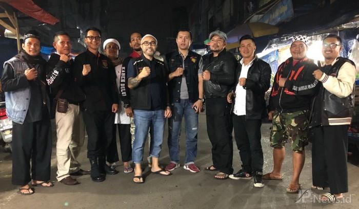 Meriahkan Ramadan, Komunitas Brother Sukabumi Berbagi Makan Sahur