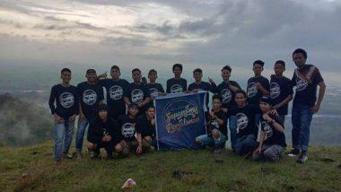 Isi Waktu Libur, Komunitas Sepanjang Perjalanan Wisata di Bulu Puang Kabupaten Pinrang